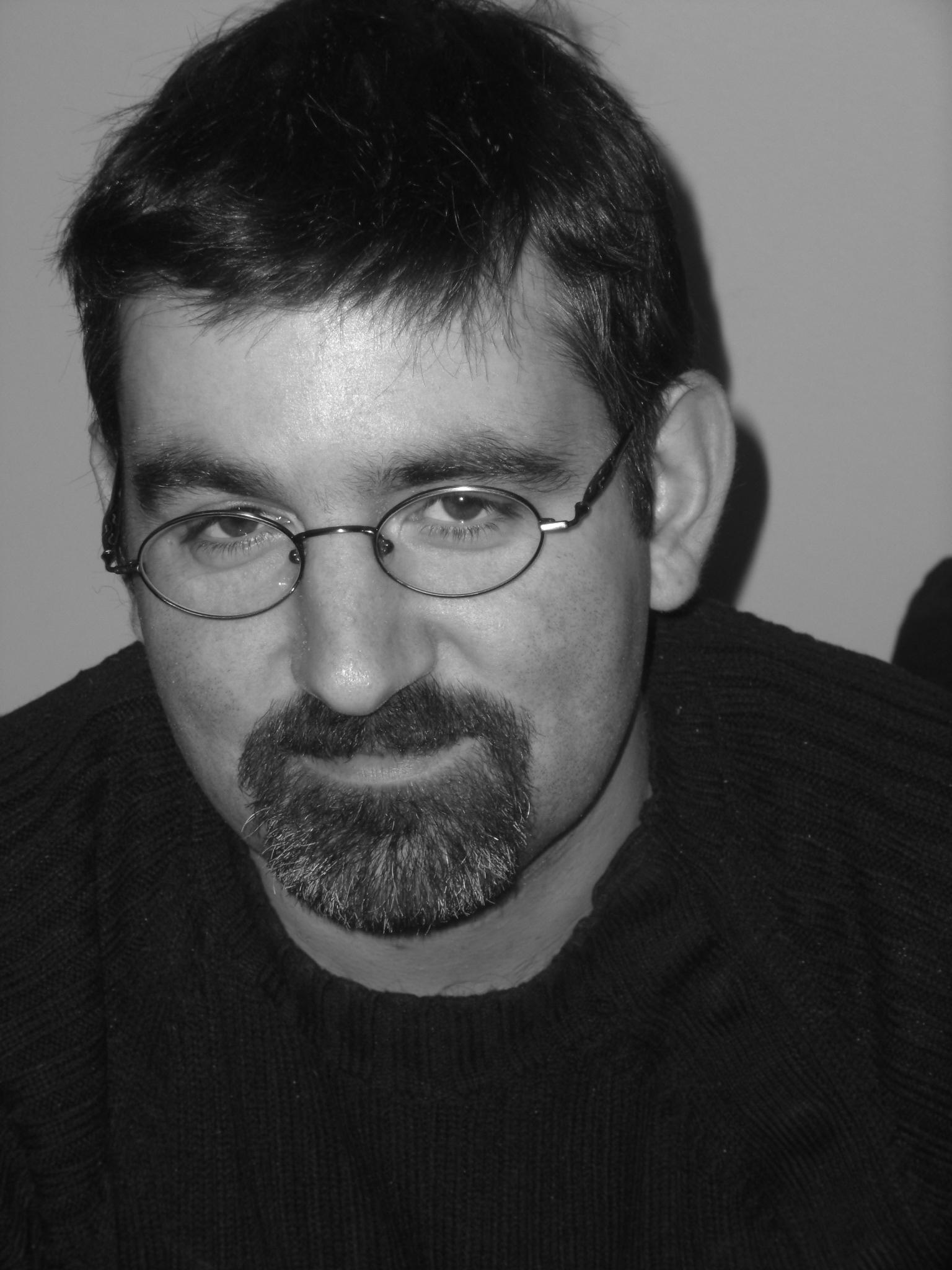 les Prométhéens, Hensher, co-scénariste