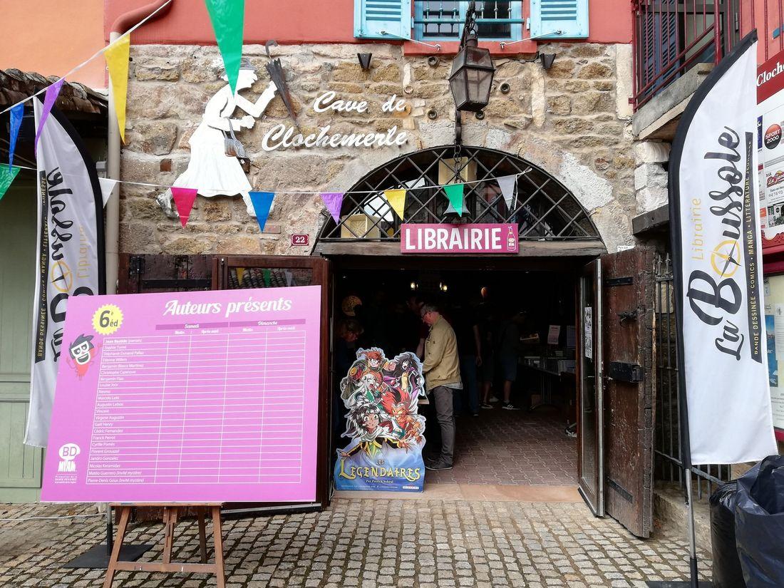 La Boussole, délocalisation de la librairie dans les caves de Clochemerle au moment du festival © La Boussole