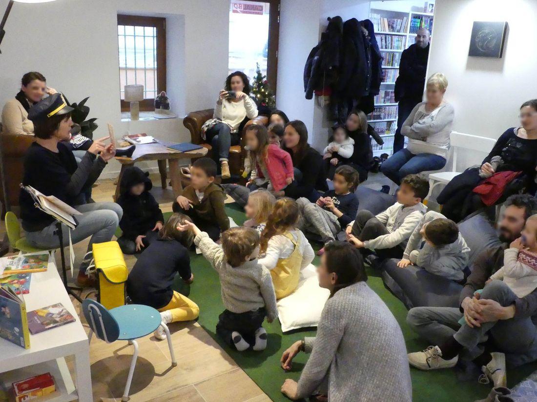 La Boussole, une heure du conte organisée avec comédiens pour les petits © La Boussole