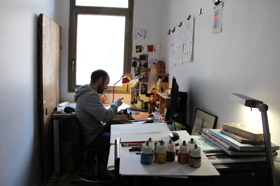 Portrait d'artiste au travail