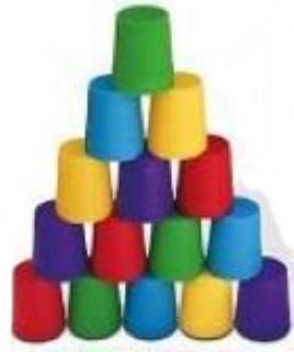Le roi des seaux, une fragile pyramide © Jolly Thinkers